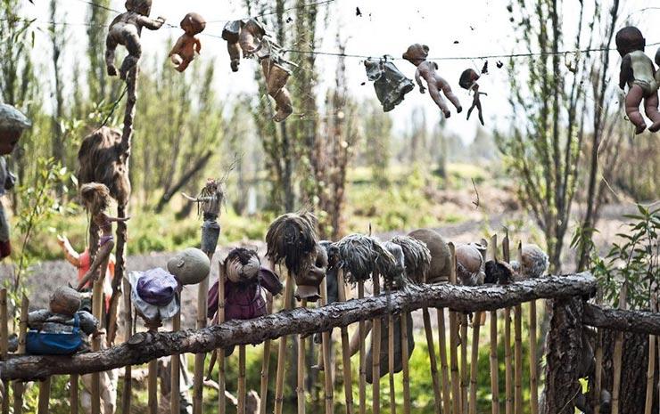 جزیره عروسک های نوزادان