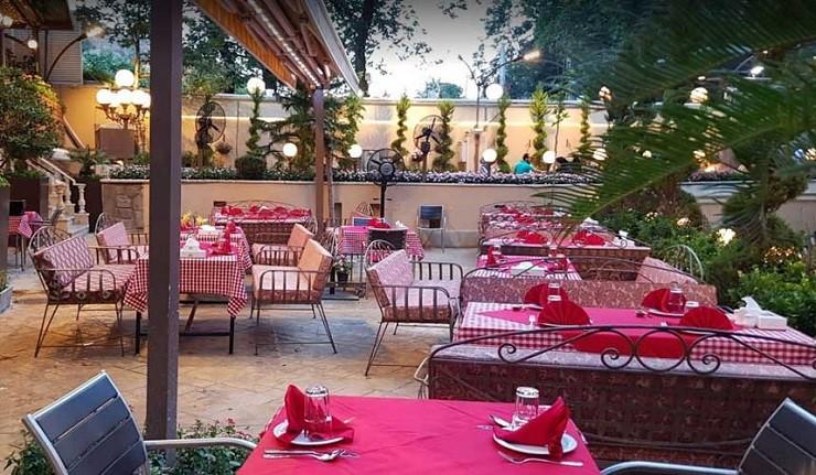 رستوران باغ ایرانی در تهران
